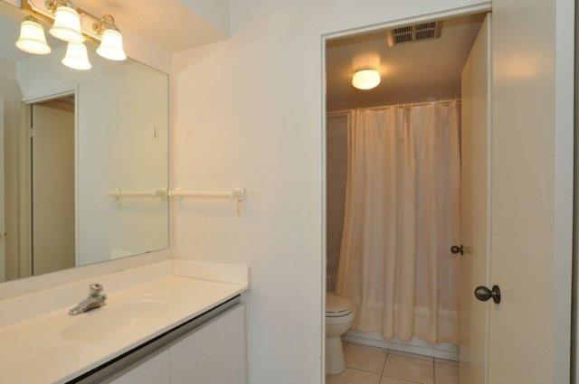Condo Apartment at 33 Elmhurst Ave, Unit 1603, Toronto, Ontario. Image 10