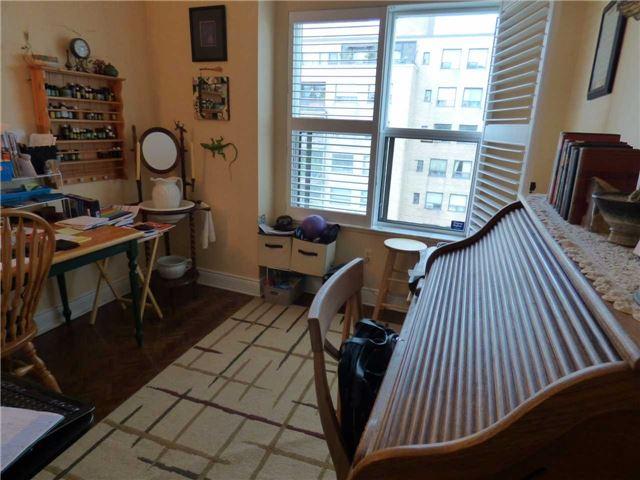 Condo Apartment at 800 Spadina Rd, Unit 601, Toronto, Ontario. Image 6
