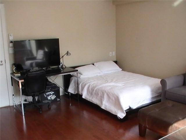 Condo Apartment at 10 Bellair St, Unit 504, Toronto, Ontario. Image 4