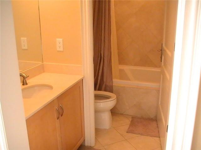 Condo Apartment at 10 Bellair St, Unit 504, Toronto, Ontario. Image 5