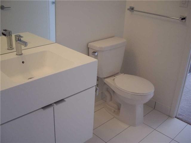 Condo Apartment at 21 Iceboat Terr, Unit 3611, Toronto, Ontario. Image 16
