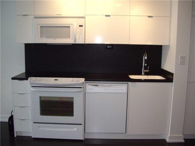 Condo Apartment at 21 Iceboat Terr, Unit 3611, Toronto, Ontario. Image 17