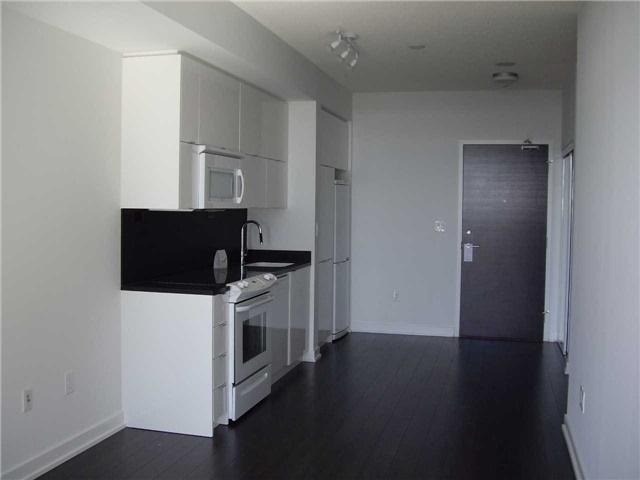 Condo Apartment at 21 Iceboat Terr, Unit 3611, Toronto, Ontario. Image 6