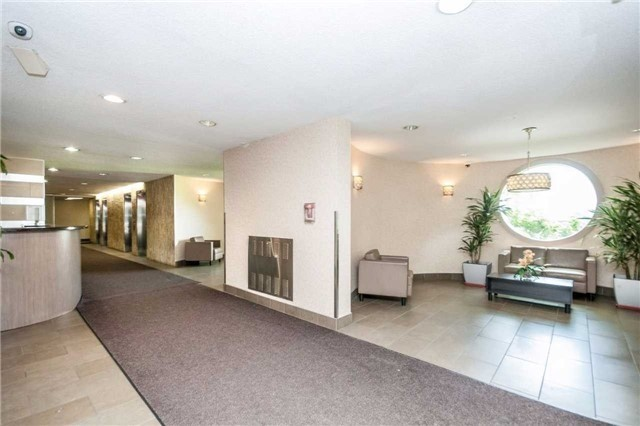 Condo Apartment at 5 Parkway Forest Dr, Unit 901, Toronto, Ontario. Image 1