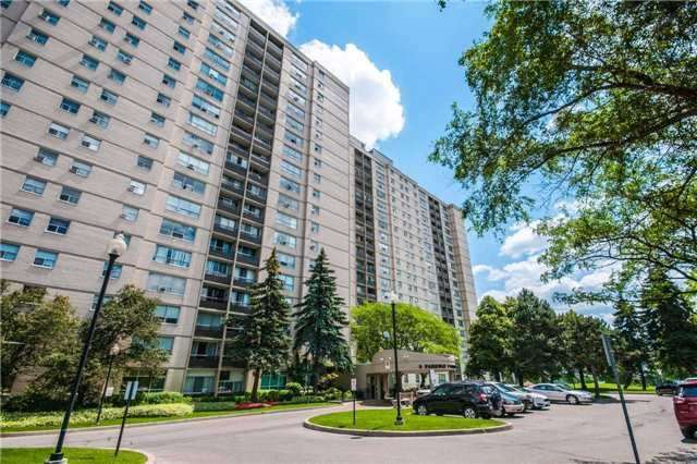 Condo Apartment at 5 Parkway Forest Dr, Unit 901, Toronto, Ontario. Image 2