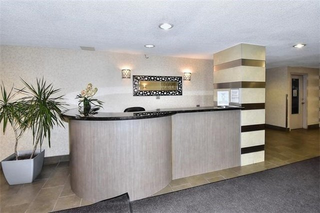 Condo Apartment at 5 Parkway Forest Dr, Unit 901, Toronto, Ontario. Image 5