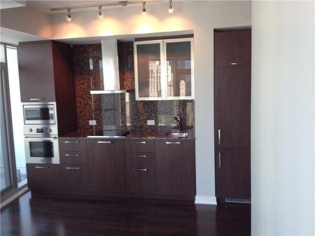 Condo Apartment at 14 York St, Unit 3911, Toronto, Ontario. Image 15