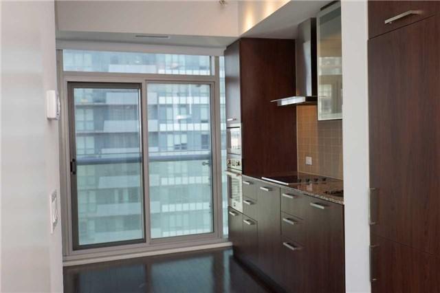 Condo Apartment at 14 York St, Unit 3911, Toronto, Ontario. Image 2