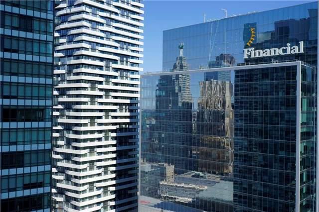 Condo Apartment at 14 York St, Unit 3911, Toronto, Ontario. Image 3