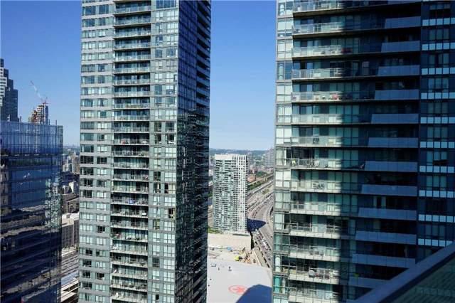 Condo Apartment at 14 York St, Unit 3911, Toronto, Ontario. Image 6