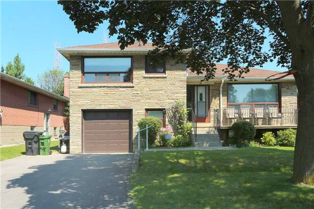 Detached at 42 Clifton Ave, Toronto, Ontario. Image 12
