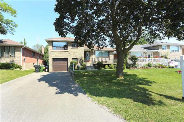 Detached at 42 Clifton Ave, Toronto, Ontario. Image 14