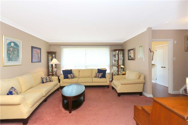 Detached at 42 Clifton Ave, Toronto, Ontario. Image 16