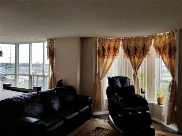 Condo Apartment at 21 Overlea Blvd, Unit 1004, Toronto, Ontario. Image 8