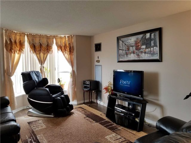 Condo Apartment at 21 Overlea Blvd, Unit 1004, Toronto, Ontario. Image 9