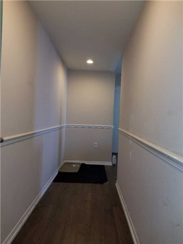 Condo Apartment at 21 Overlea Blvd, Unit 1004, Toronto, Ontario. Image 13