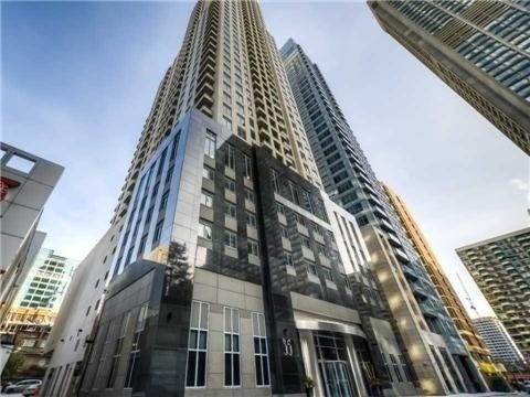 Condo Apartment at 35 Balmuto St, Unit 4402, Toronto, Ontario. Image 1