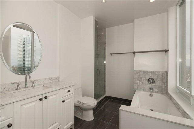 Condo Apartment at 35 Balmuto St, Unit 4402, Toronto, Ontario. Image 6