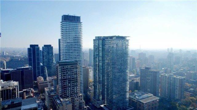 Condo Apartment at 35 Balmuto St, Unit 4402, Toronto, Ontario. Image 7