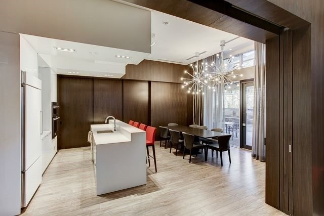 Condo Apartment at 88 Sheppard Ave E, Unit 605, Toronto, Ontario. Image 8