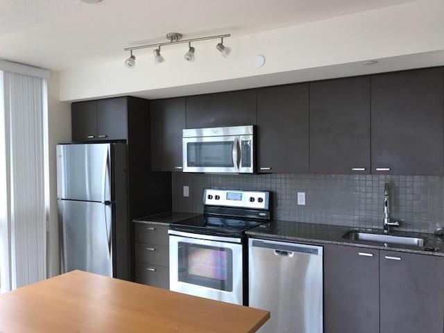 Condo Apartment at 88 Sheppard Ave E, Unit 605, Toronto, Ontario. Image 3