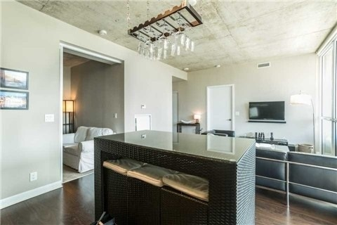 Condo With Common Elements at 478 King St W, Unit 613, Toronto, Ontario. Image 5