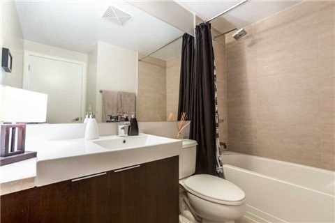 Condo With Common Elements at 478 King St W, Unit 613, Toronto, Ontario. Image 2