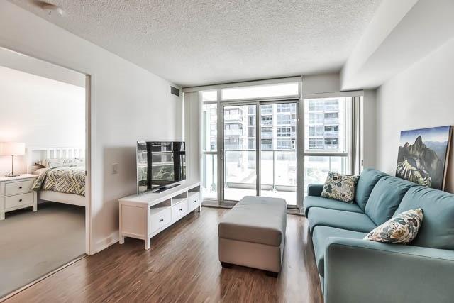 Condo Apartment at 15 Singer Crt, Unit 311, Toronto, Ontario. Image 4