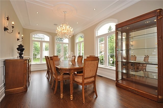 Detached at 2 Normandale Cres, Toronto, Ontario. Image 15