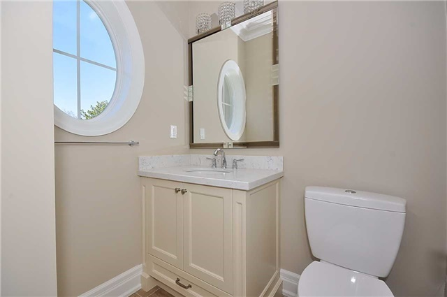 Detached at 2 Normandale Cres, Toronto, Ontario. Image 5