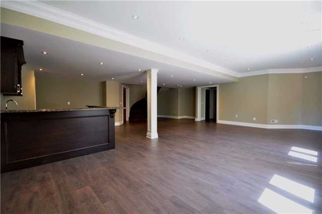 Detached at 2 Normandale Cres, Toronto, Ontario. Image 9