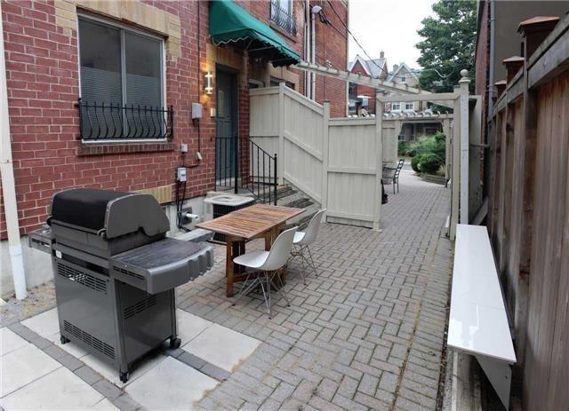 Townhouse at 388C Manning Ave, Toronto, Ontario. Image 5