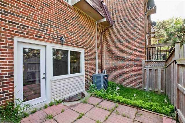 Condo Townhouse at 71 Godstone Rd, Unit 122, Toronto, Ontario. Image 9