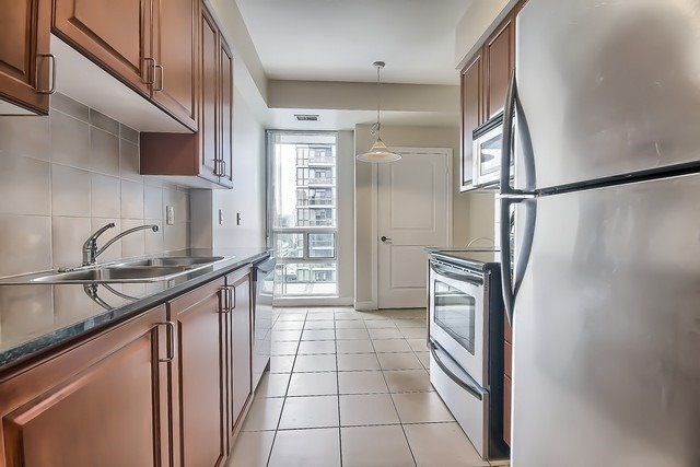 Condo Apartment at 31 Bales Ave, Unit Ph207, Toronto, Ontario. Image 19