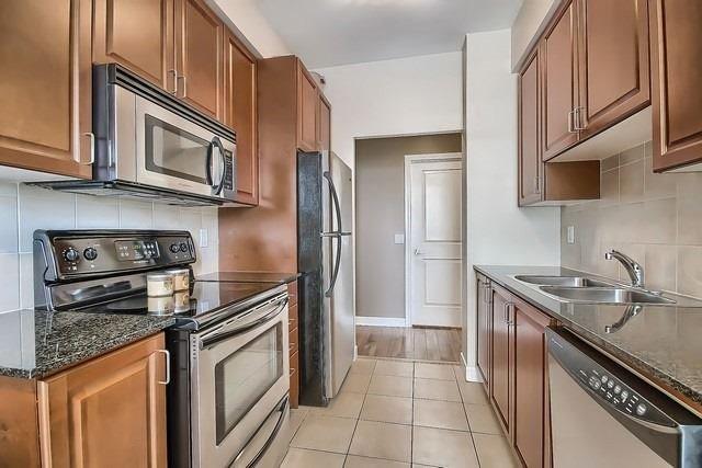 Condo Apartment at 31 Bales Ave, Unit Ph207, Toronto, Ontario. Image 20