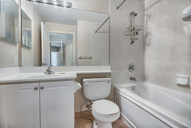 Condo Apartment at 31 Bales Ave, Unit Ph207, Toronto, Ontario. Image 4