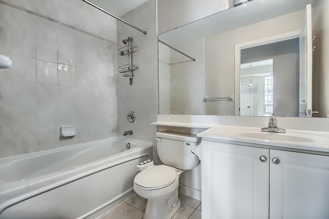 Condo Apartment at 31 Bales Ave, Unit Ph207, Toronto, Ontario. Image 6