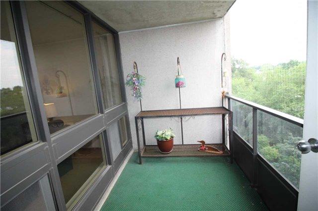Condo Apartment at 5 Kenneth Ave, Unit 608, Toronto, Ontario. Image 18
