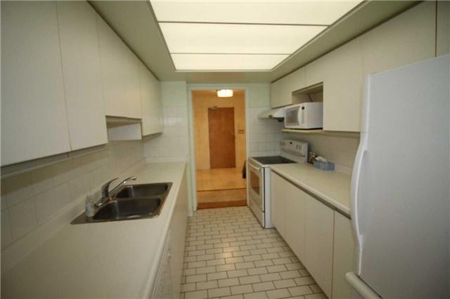 Condo Apartment at 5 Kenneth Ave, Unit 608, Toronto, Ontario. Image 2
