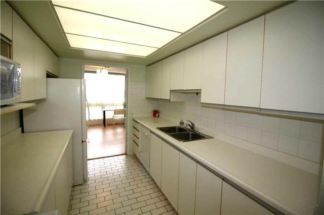 Condo Apartment at 5 Kenneth Ave, Unit 608, Toronto, Ontario. Image 3