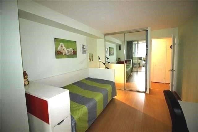 Condo Apartment at 5 Kenneth Ave, Unit 608, Toronto, Ontario. Image 5