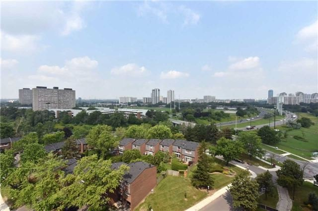 Condo Apartment at 5 Vicora Linkway, Unit 1209, Toronto, Ontario. Image 5