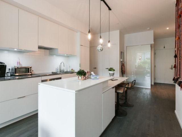 Condo Apartment at 5 St Joseph St, Unit 219, Toronto, Ontario. Image 3