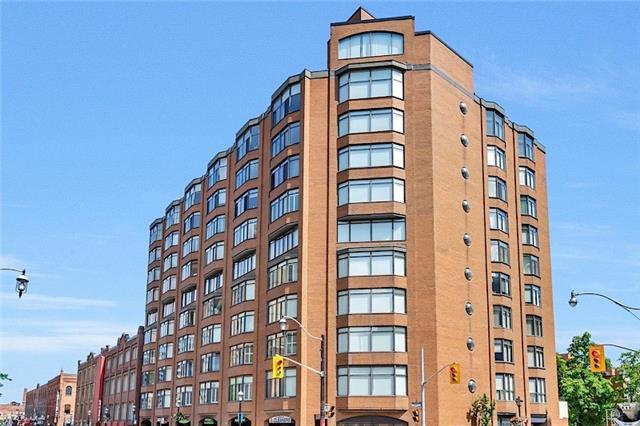 Condo Apartment at 135 George St S, Unit 906, Toronto, Ontario. Image 1