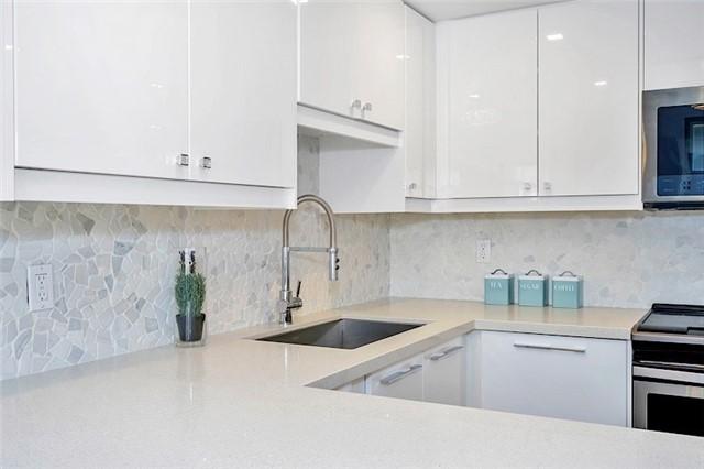 Condo Apartment at 135 George St S, Unit 906, Toronto, Ontario. Image 14