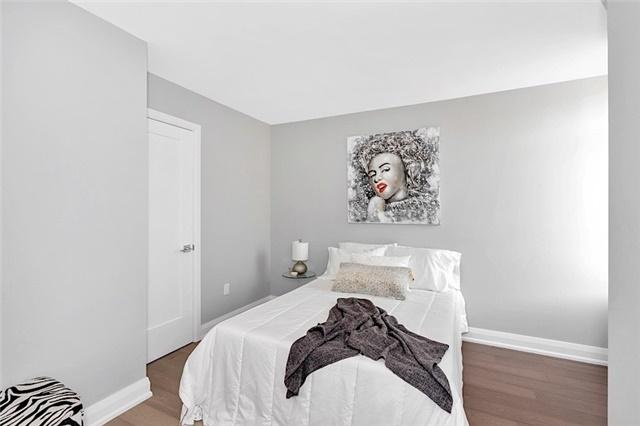 Condo Apartment at 135 George St S, Unit 906, Toronto, Ontario. Image 3