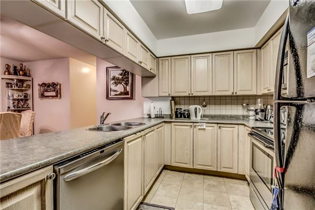 Condo Townhouse at 3 Everson Dr, Unit 202, Toronto, Ontario. Image 12