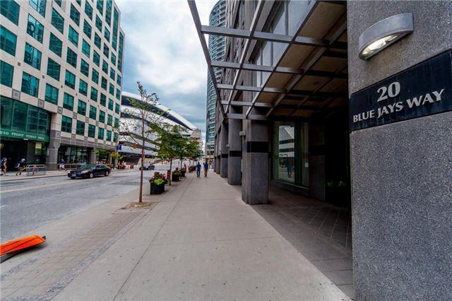 Condo Apartment at 20 Blue Jays Way, Unit 1101, Toronto, Ontario. Image 12