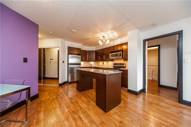 Condo Apartment at 20 Blue Jays Way, Unit 1101, Toronto, Ontario. Image 19
