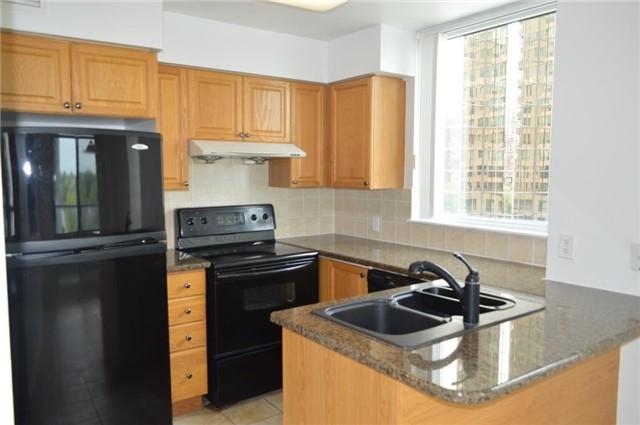 Condo Apartment at 23 Hollywood Ave, Unit 705, Toronto, Ontario. Image 15